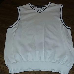 IZOD  Men's White V-Neck Sweater Vest  size M